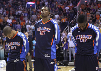 PHOENIX, AZ - MARCH 30:  Kevin Durant #35 of the Oklahoma City Thunder before the NBA game against the Phoenix Suns at US Airways Center on March 30, 2011 in Phoenix, Arizona. The Thunder defeated the Suns 116-98.   NOTE TO USER: User expressly acknowledg