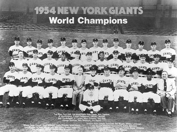 Giants-team-photo_display_image