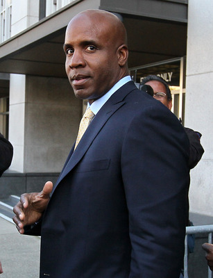 SAN FRANCISCO, CA - APRIL 07:  Former Major League Baseball player Barry Bonds leaves federal court at the end of the day on April 7, 2011 in San Francisco, California. Closing arguments have wrapped up in Bonds' perjury trial as the jury prepares to deli