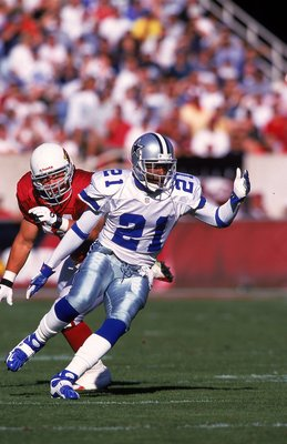 21 Nov 1999: Deion Sanders #21 of the Dallas Cowboys scrambles on the field during the game against the Arizona Cardinals at the Sun Devil Stadium in Tempe, Arizona. The Cardinals defeated the Cowboys 9-13. Mandatory Credit: Otto Greule Jr.  /Allsport