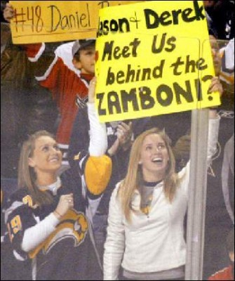 Sabres-fans_display_image