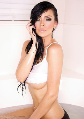 Bianca_cruz_home_town_hottie_wet_display_image