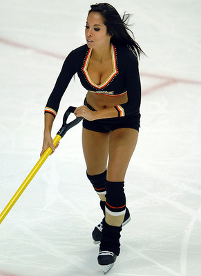 Ducks-ice-girl_display_image