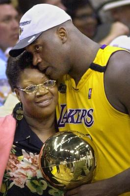 Shaq-and-his-mother_display_image