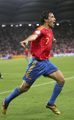 STUTTGART, GERMANY - JUNE 19:  Raul #7 of Spain celebrates, after scoring his team's equaliser during the FIFA World Cup Germany 2006 Group H match between Spain and Tunisia at the Gottlieb-Daimler Stadium on June 19, 2006 in Stuttgart, Germany.  (Photo b