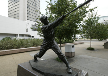 ST LOUIS - JULY 18:  Statue of Rogers Hornsby of the St. Louis Cardinals is outside of Busch Stadium on July 18, 2004 in St. Louis, Missouri. (Photo by Dilip Vishwanat/Getty Images)