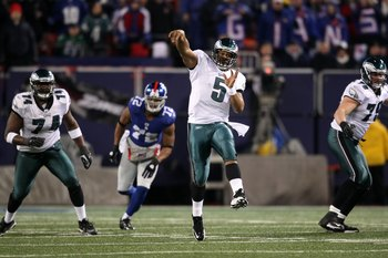 EAST RUTHERFORD, NJ - DECEMBER 13:  Donovan McNabb #5 of the Philadelphia Eagles throws a pass against the New York Giants at Giants Stadium on December 13, 2009 in East Rutherford, New Jersey.  (Photo by Nick Laham/Getty Images)