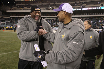 PHILADELPHIA, PA - DECEMBER 28:  Head coach Leslie Frazier of the Minnesota Vikings walks off the field after his team defeated the Philadelphia Eagles at Lincoln Financial Field on December 26, 2010 in Philadelphia, Pennsylvania.  (Photo by Jim McIsaac/G