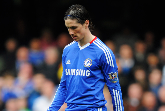 LONDON, ENGLAND - MARCH 20:  Fernando Torres of Chelsea looks depsondent during the Barclays Premier League match between Chelsea and Manchester City at Stamford Bridge on March 20, 2011 in London, England.  (Photo by Michael Regan/Getty Images)