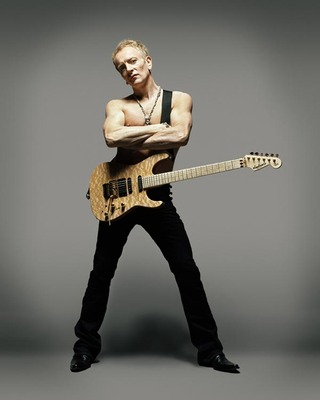 600-phil_collen_display_image