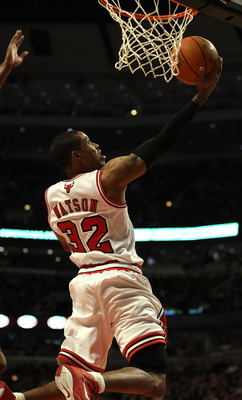 CHICAGO, IL - MARCH 25: C.J. Watson #32 of the Chicago Bulls puts up a shot against the Memphis Grizzlies at the United Center on March 25, 2011 in Chicago, Illinois. The Bulls defeated the Grizzlies 99-96. NOTE TO USER: User expressly acknowledges and ag