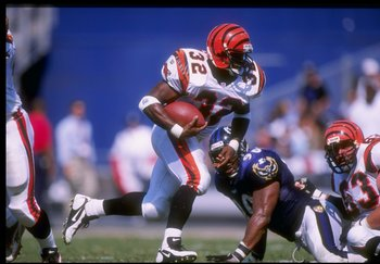 7 Sep 1997:  Running back Ki-Jana Carter of the Cincinnati Bengals moves the ball during a game against the Baltimore Ravens at Memorial Stadium in Baltimore, Maryland.  The Ravens won the game, 23-10. Mandatory Credit: Doug Pensinger  /Allsport