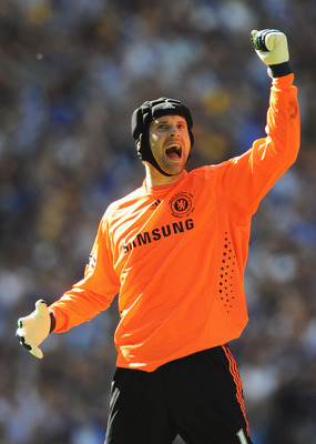 LONDON, ENGLAND - MAY 30:  Petr Cech of Chelsea celebrates victory following the FA Cup sponsored by E.ON Final match between Chelsea and Everton at Wembley Stadium on May 30, 2009 in London, England.  (Photo by Shaun Botterill/Getty Images)