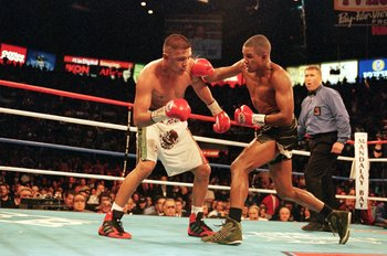2 Dec 2000:  Felix Trinidad throws a right punch during the WBA/IBF Junoir Middleweight Championship Fight against Fernando Vargas at the Mandaly Bay Resort in Las Vegas, Nevada. Trinidad defeated Vargas in a technical knock out in round 12.Mandatory Cred