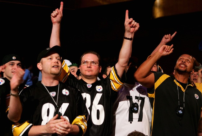 NEW YORK - APRIL 28:  Pittsburgh Steelers fans celebrate their teams first round draft pick, 15th overall, during the 2007 NFL Draft on April 28, 2007 at Radio City Music Hall in New York, New York.  (Photo by Chris McGrath/Getty Images)