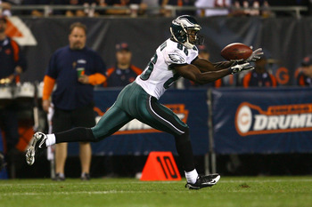 CHICAGO - SEPTEMBER 28:  Reggie Brown #86 of the Philadelphia Eagles makes a 31-yard reception in the second quarter against the Chicago Bears at Soldier Field on September 28, 2008 in Chicago, Illinois.  (Photo by Jeff Gross/Getty Images)