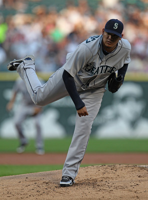 CHICAGO - JULY 26: Starting pitcher Felix Hernandez #34 of the Seattle Mariners delivers the ball against the Chicago White Sox at U.S. Cellular Field on July 26, 2010 in Chicago, Illinois. The White Sox defeated the Mariners 6-1. (Photo by Jonathan Danie