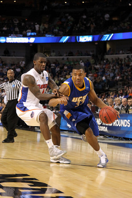 TAMPA, FL - MARCH 17:  Orlando Johnson #33 of the UC Santa Barbara Gauchos drives against the Florida Gators during the second round of the 2011 NCAA men's basketball tournament at St. Pete Times Forum on March 17, 2011 in Tampa, Florida. Florida won 79-5