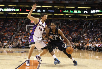 PHOENIX - NOVEMBER 05:  Rudy Gay #22 of the Memphis Grizzlies handles the ball during the NBA game against the Phoenix Suns at US Airways Center on November 5, 2010 in Phoenix, Arizona. NOTE TO USER: User expressly acknowledges and agrees that, by downloa