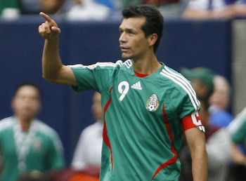 HOUSTON - JUNE 17: Jared Borgetti #9 of Mexico acknowledges the crowd as he celebrates scoring a goal against Costa Rica during their quarterfinal match of the CONCACAF Gold Cup 2007 tournament at Reliant Stadium June 17, 2007 in Houston, Texas. Mexico de