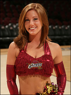 Cavs-cheerleader_display_image