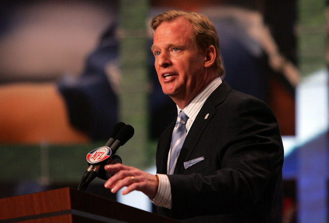 NEW YORK - APRIL 26:  National Football League Commissioner Roger Goodell introduces the first overall pick during the 2008 NFL Draft on April 26, 2008 at Radio City Music Hall in New York, New York.  (Photo by Jim McIsaac/Getty Images)