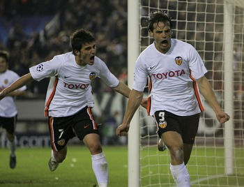 VALENCIA, SPAIN - APRIL 10:  Fernando Morientes celebrates scoring the first goal during the UEFA Champions League Quarter Final Second Leg match between Valencia and Chelsea at the Stadium Mestalla on April 10,2007 in Valencia, Spain.  (Photo by Stu Fors