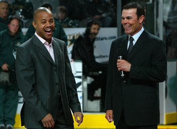 DALLAS - JANUARY 22:  Actor Cuba Gooding Jr. talks with former NHL great Adam Oates of the Boston Bruins during the American Airlines NHL Salute to a Generation of Stars at the American Airlines Center on January 22, 2007 in Dallas, Texas.  (Photo by Dave