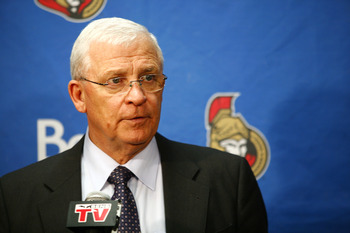 OTTAWA, ON - FEBRUARY 15:  Ottawa Senators GM Bryan Murray informs the media that Chris Kelly #22 of the Ottawa Senators has been traded to the Boston Bruins after a game against the New York Islanders at Scotiabank Place on February 15, 2011 in Ottawa, O