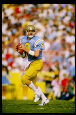 1985:  Quarterback David Norrie of the UCLA Bruins drops back to pass during a game against the Oregon State Beavers at the Rose Bowl in Pasadena, California.  UCLA won the game 41-0. Mandatory Credit: Mike Powell  /Allsport