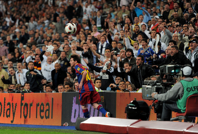 MADRID, SPAIN - APRIL 16:  Real Madrid fans react against Lionel Messi of Barcelona during the la Liga match between Real Madrid and Barcelona at Estadio Santiago Bernabeu on April 16, 2011 in Madrid, Spain.  (Photo by Jasper Juinen/Getty Images)