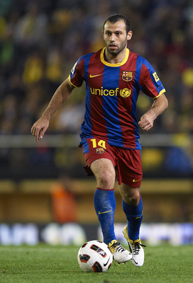 VILLARREAL, CASTELLON - APRIL 02:  Javier Alejandro Mascherano of Barcelona in action during the La Liga match between Villarreal and Barcelona at El Madrigal on April 2, 2011 in Villarreal, Spain. Barcelona won 1-0.  (Photo by Manuel Queimadelos Alonso/G