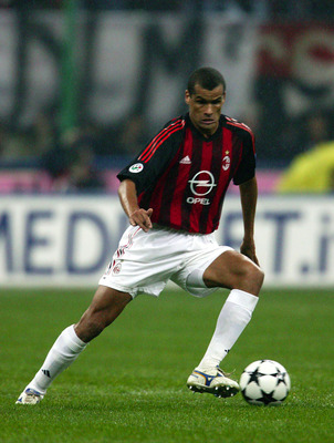 MILAN - NOVEMBER 23:  Rivaldo of AC Milan in action during the Serie A match between AC Milan and Inter Milan at the Giuseppe Meazza San Siro Stadium, Milan, Italy on November 23, 2002. (Photo by Grazia Neri/Getty Images)