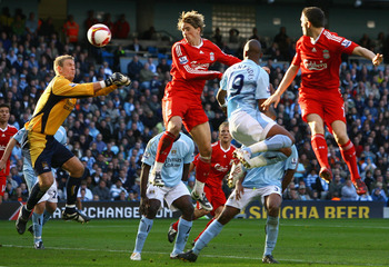 MANCHESTER, UNITED KINGDOM - OCTOBER 05:  Fernando Torres of Liverpool scores his team's second goal during the Barclays Premier League match between Manchester City and Liverpool at The City of Manchester Stadium on October 5, 2008 in Manchester, England