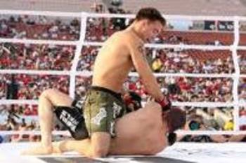 Jake Shields finishing the fight on the mat
