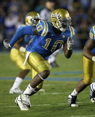 PASADENA, CA - SEPTEMBER 18:  Linebacker Akeem Ayers #10 of the UCLA Bruins in the game with the Houston Cougars at the Rose Bowl on September 18, 2010 in Pasadena, California.  UCLA won 31-13.  (Photo by Stephen Dunn/Getty Images)