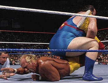 Summerslam_1990_-_hulk_hogan_vs_earthquake_01_display_image