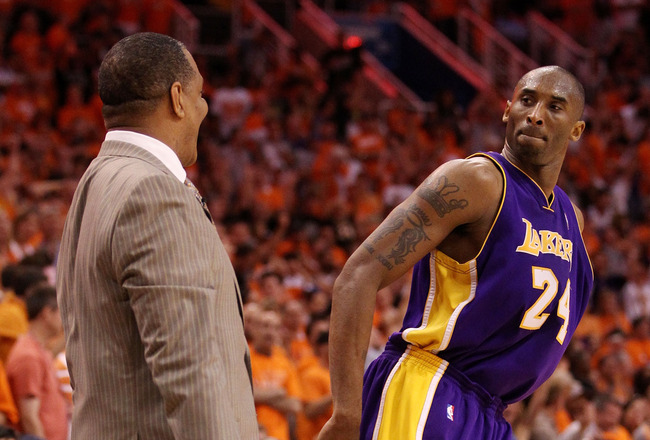 PHOENIX - MAY 29:  Kobe Bryant #24 of the Los Angeles Lakers looks at head coach Alvin Gentry of the Phoenix Suns after a play in the fourth quarter of Game Six of the Western Conference Finals during the 2010 NBA Playoffs at US Airways Center on May 29,