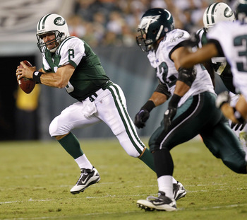 PHILADELPHIA - SEPTEMBER 02: Mark Brunell #8 of the New York Jets rolls out during a preseason game against the Philadelphia Eagles at Lincoln Financial Field on September 2, 2010 in Philadelphia, Pennsylvania. (Photo by Jeff Zelevansky/Getty Images)