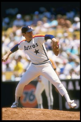 1985:  Pitcher Nolan Ryan of the Houston Astros throws a pitch during a game at Dodger Stadium in Los Angeles, California. Mandatory Credit: Bud Symes  /Allsport