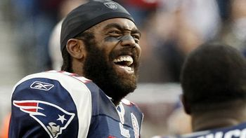 Randy-moss-beard_display_image