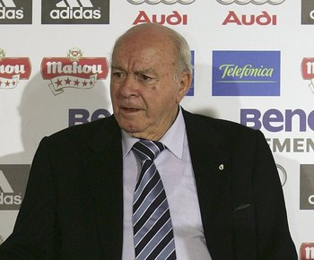 Alfredo Di Stéfano, the elder statesmen of the Bernabeu earned his place of honor with legendary performances for the club in the 50s and 60s