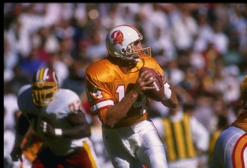 22 Oct 1989:  Quarterback Vinny Testaverde of the Tampa Bay Buccaneers looks to pass the ball during a game against the Washington Redskins at Tampa Stadium in Tampa, Florida.  The Redskins won the game, 32-28. Mandatory Credit: Doug Pensinger  /Allsport