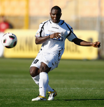 LECCE, ITALY - APRIL 03:  Pablo Armero of Udinese during the Serie A match between US Lecce and Udinese Calcio at Stadio Via del Mare on April 3, 2011 in Lecce, Italy.  (Photo by Maurizio Lagana/Getty Images)