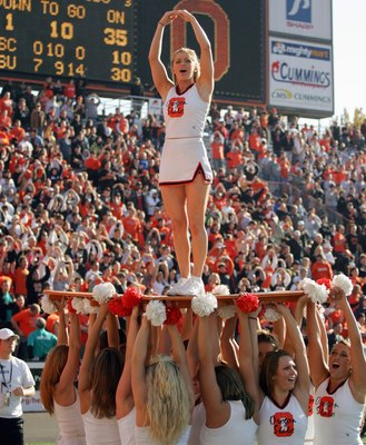 CORVALLIS, OR - OCTOBER 28:  Cheerleaders of the Oregon State Beavers cheer on the sidelines during the game against the Southern California Trojans at Reser Stadium on October 28, 2006 in Corvallis Oregon. The Beavers defeated the Trojans 33-31. (Photo b