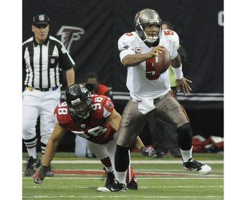 66289067-buccaneers-quarterback_display_image