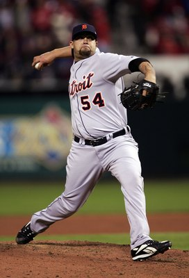 ST LOUIS - OCTOBER 24:  Joel Zumaya #54 of the Detroit Tigers pitches against the St. Louis Cardinals during Game Three of the 2006 World Series at Busch Stadium on October 24, 2006 in St. Louis, Missouri.  (Photo by Elsa/Getty Images)