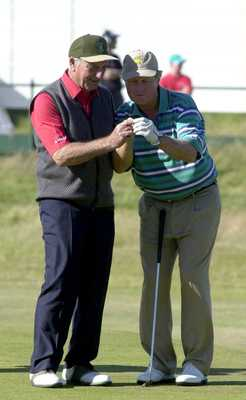 19 Jul 2000:  Jack Nicklaus with Roberto de Vicenzo during the Champions Challenge round at the 2000 British Open golf Championship  at the Old Course, St Andrews, Scotland.+++DIGITAL IMAGE+++ Mandatory Credit:  Harry How/ALLSPORT