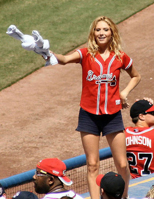 Sexy-braves-fan_display_image