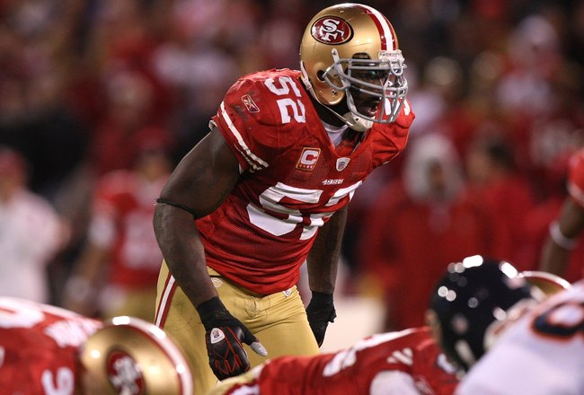 SAN FRANCISCO - NOVEMBER 12:  Patrick Willis #52 of the San Francisco 49ers in action against the Chicago Bears at Candlestick Park on November 12, 2009 in San Francisco, California.  (Photo by Jed Jacobsohn/Getty Images)